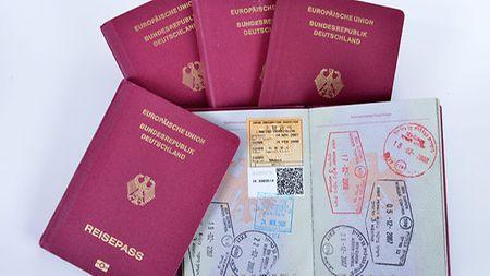 Reisepassanträge für Erwachsene und verheiratete
